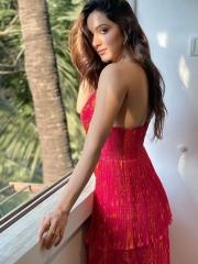 Kiara Advani Stunning Hot Photos 5