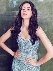 Ananya Panday Glamorous Photos 7