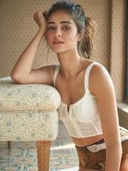 Ananya Panday Stunning HD Pics 1