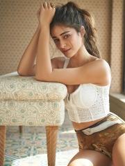 Ananya Panday Stunning HD Pics 5