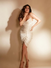Janhvi Kapoor Mesmerising Clicks 2