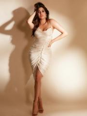 Janhvi Kapoor Mesmerising Clicks 4