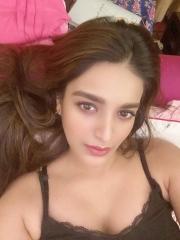 Nidhhi Agerwal Looks Beautiful photos 8
