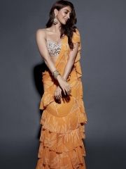 Pooja Hegde sizzling in golden outfit Pic 5